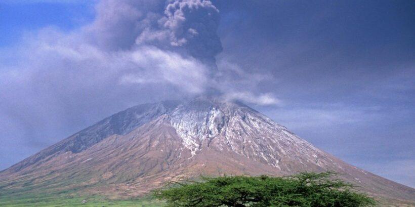 Mt-Oldonyo-Lengai2